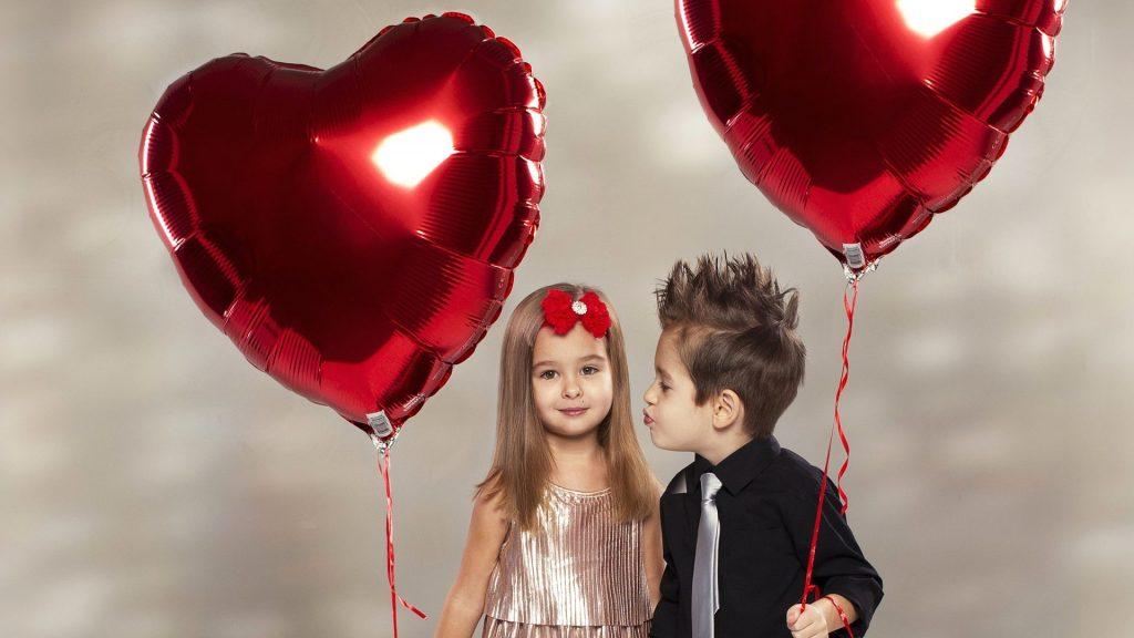 букет из фольгированных сердец
