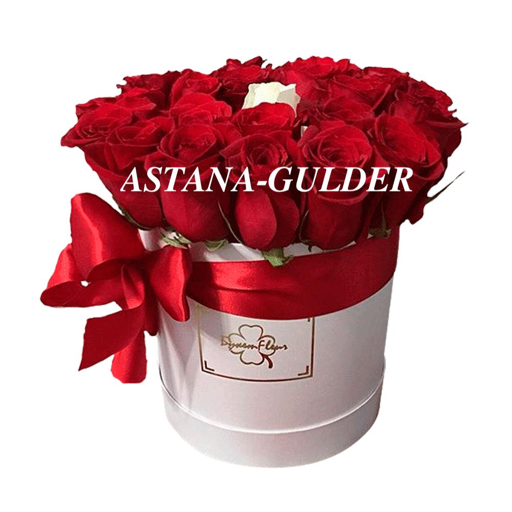 букет цветов в коробке астана
