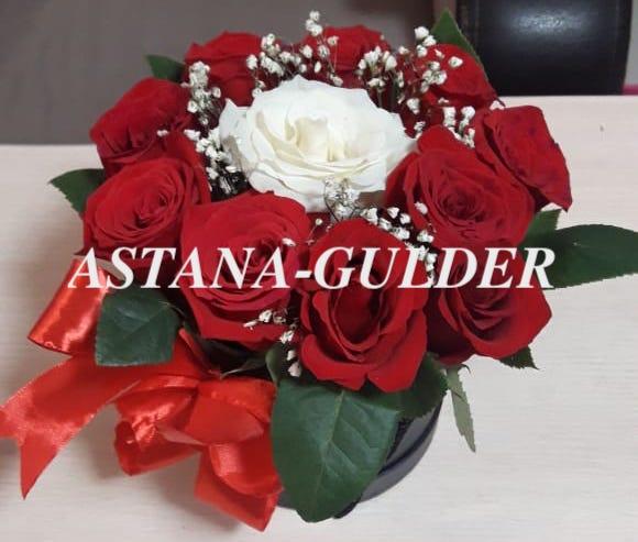 голландские розы в коробке