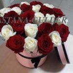 заказать букет роз в шляпной коробке