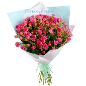 Букет Малиновых Кустовых Роз